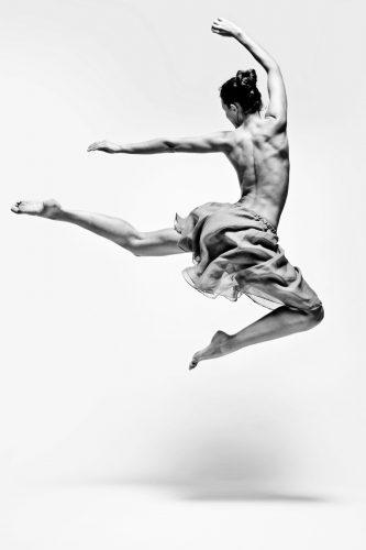 ID D17 2185 –Danseuse