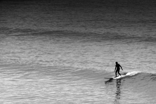 ID D17 2227 – Small wave surfing
