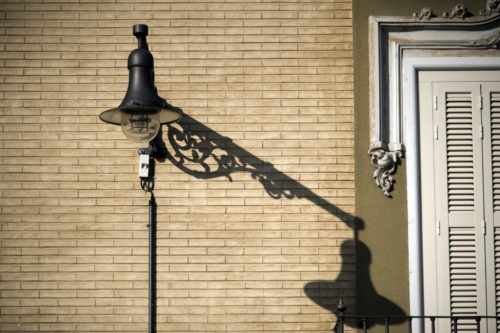 ID D17 2232 – Street lamp an shadows