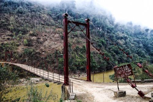 ID D18 1063 – The Jungle  Bridge, Laos