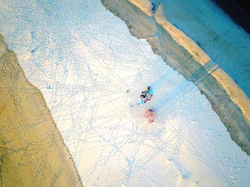 ID D18 1119 – Nuancier et dentelle de sable