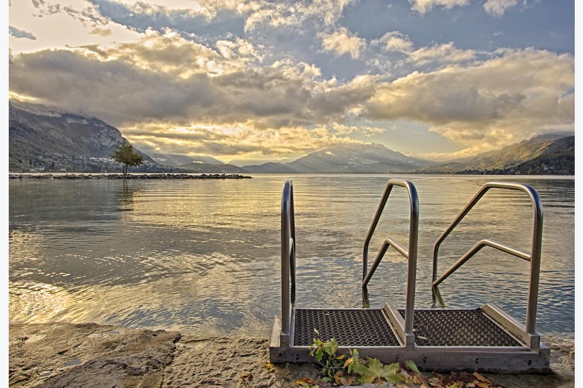 Hubert Descamps ID D17 2462 – Morning swim