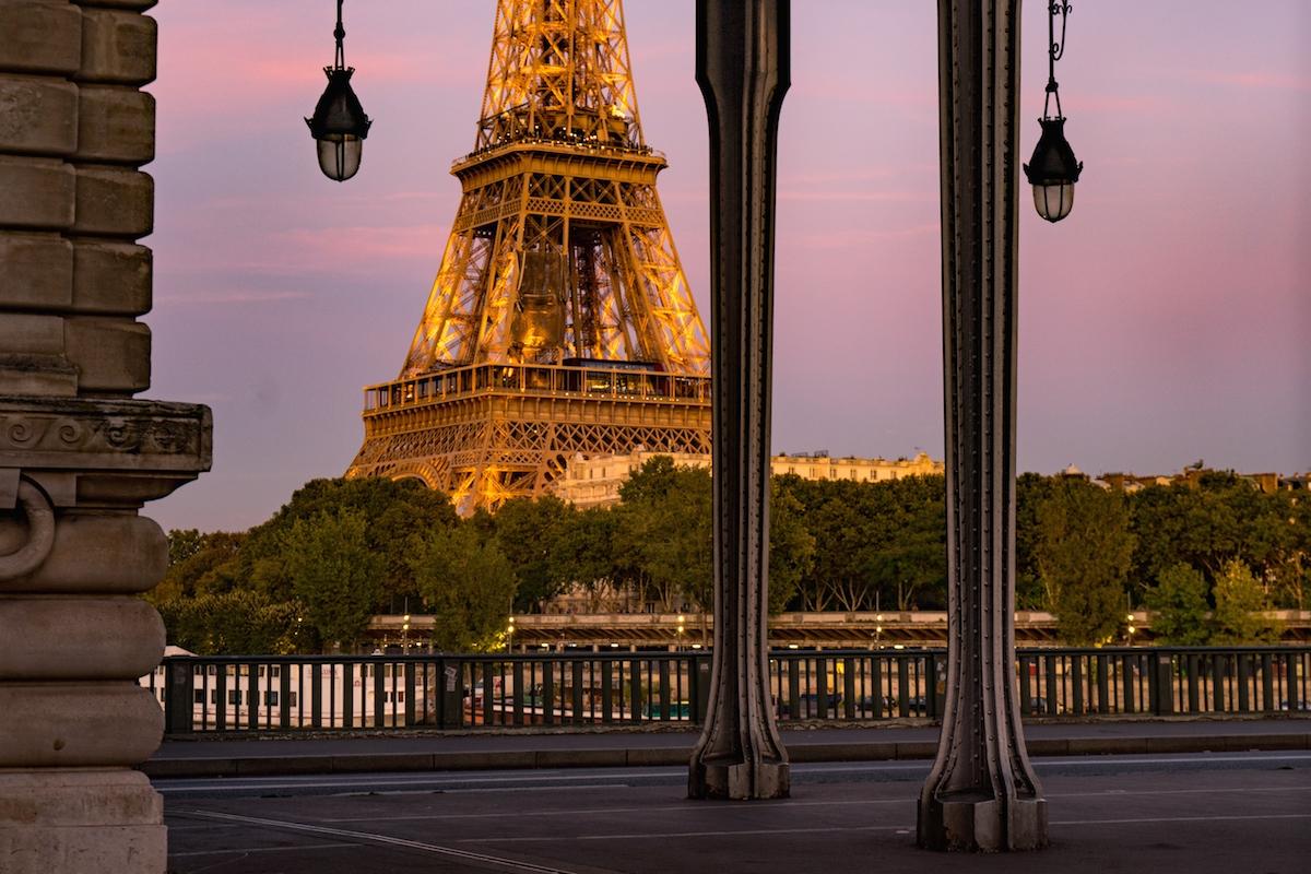 Bertrand Tavernier ID D17 2525 – Pont de nuit