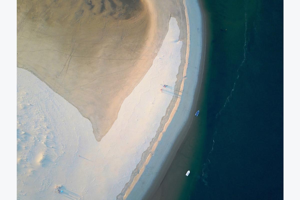 Florence Houriez ID D18 1120 – Banc de sable, deux bateaux